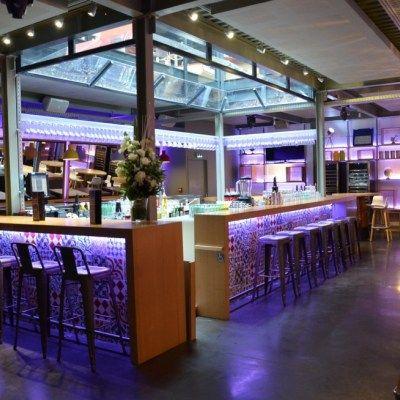 les 25 meilleures id es de la cat gorie bar lumineux sur pinterest design bar restaurant. Black Bedroom Furniture Sets. Home Design Ideas