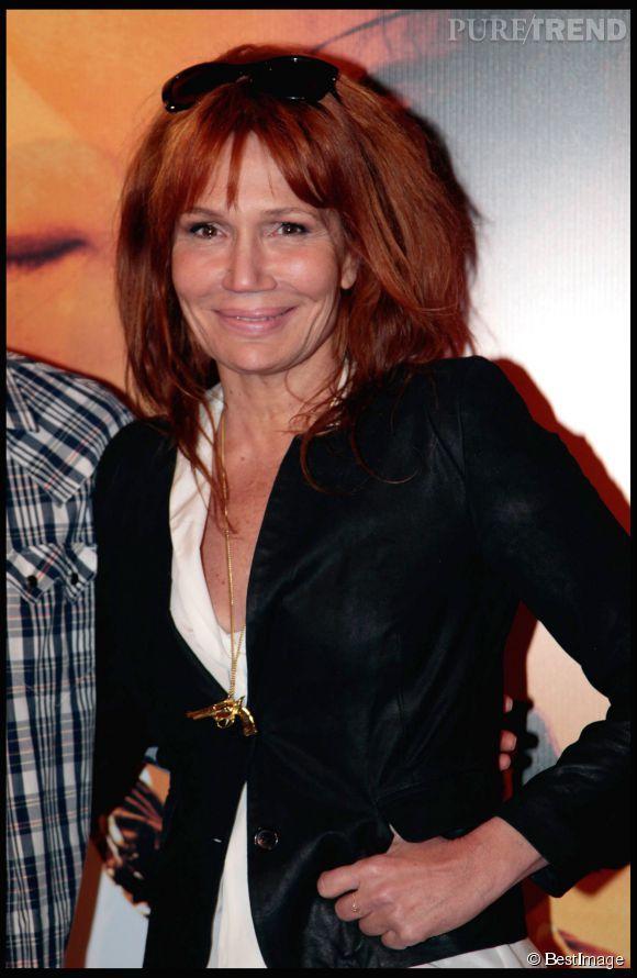 PHOTOS - Clémentine Célarié a un faible pour le roux. Ici en mars 2011.
