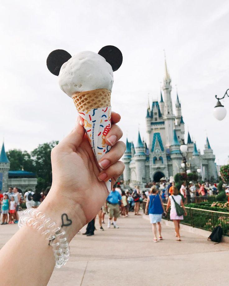 Até o sorvete tem orelha do Mickey! #DisneyParques