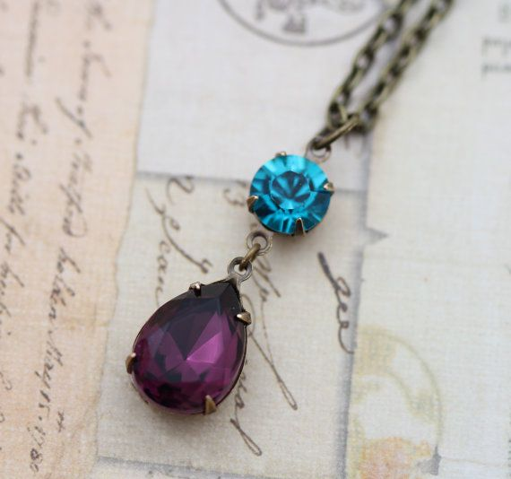 Matching necklaces to match the bridesmaids earrings