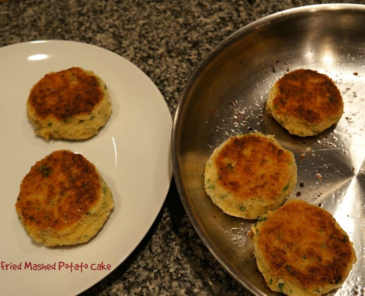 How To Make Fried Potato Cakes Out Of Mashed Potatoes