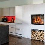 Kamin ECO Larimar <3 Gemessen an seiner Grösse ermöglicht Larimar eine sehr genussreiche Sicht aufs Feuer. Man könnte Larimar als Gerät für alle Fälle anpreisen, weil er sich als ästhetisch gute und sehr preiswerte Lösung für zahlreiche architektonische Gegebenheiten im Wohnraum eignet.