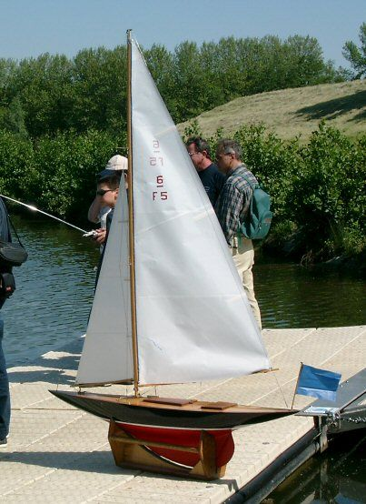 17 Best images about RC Sailboats on Pinterest | Models, Boats and Sailboat plans