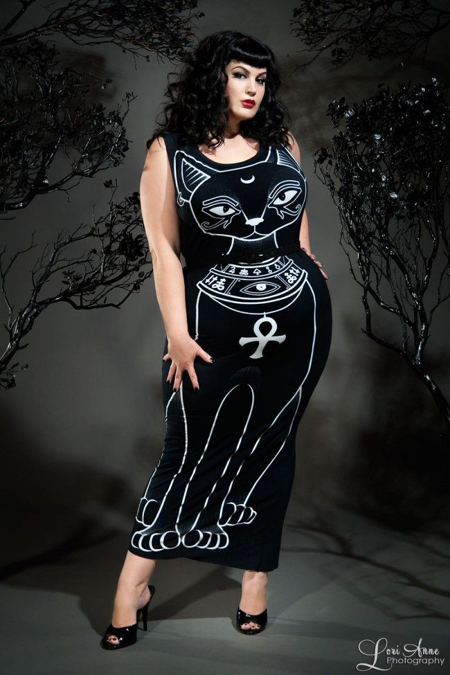 Words... super, Plus size gothic nude