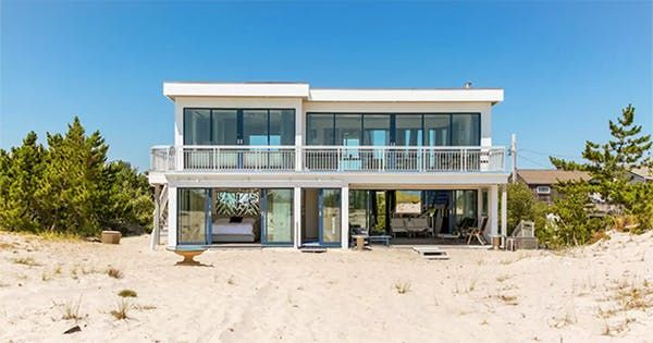 7 Gorgeous Hamptons Rentals to Lock Down Now via @PureWow