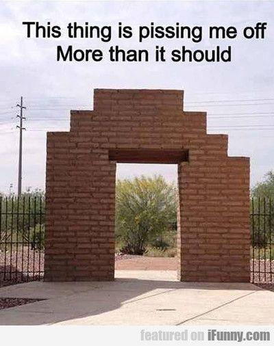 Architectural OCD nightmare... IT'S NOT STRAIGHT  AAAAHHHH !