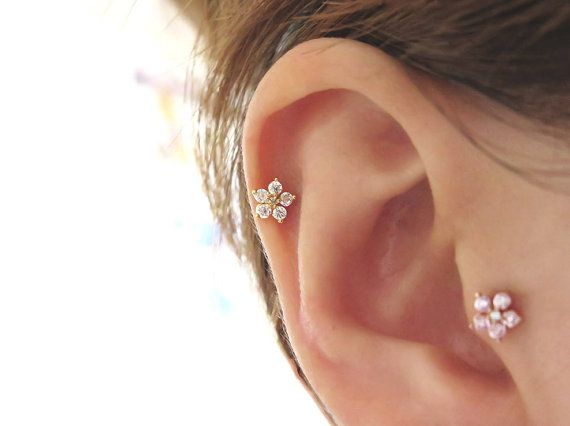 CZ Flower Earrings/Piercing/Tragus Earring/Cartilage earring/Tragus Piercing/Cartilage piercing/Tragus stud/Helix Earring/conch earring/Rook