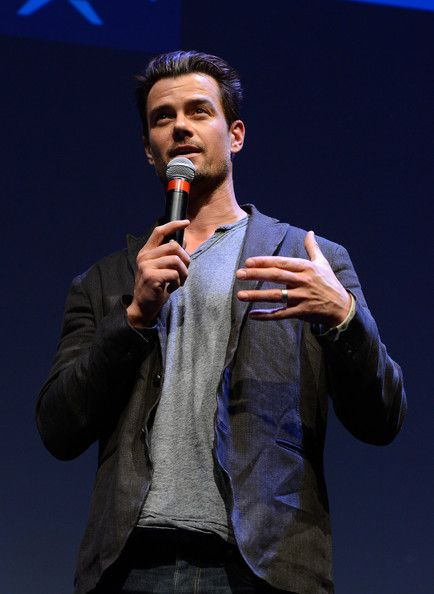 """Josh Duhamel Photos Photos - Actor Josh Duhamel attends the 'Scenic Route' screening at the 2013 SXSW Music, Film + Interactive Festival held at the Topfer Theatre at ZACH on March 8, 2013 in Austin, Texas. - """"Scenic Route"""" - 2013 SXSW Music, Film + Interactive Festival"""