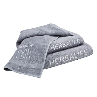 This set of 3 towels Herbalife SKIN soft and elegant is the perfect gift for him or her. It includes a bath towel, a face towel and one hand. 100% Cotton .