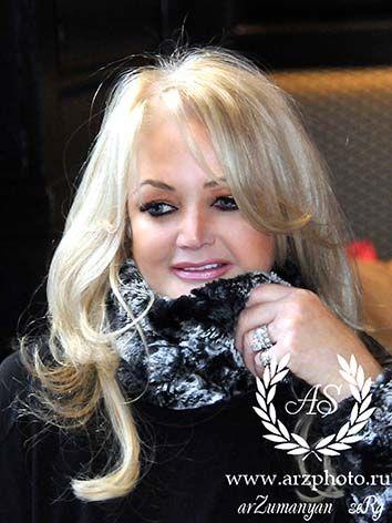 Bonnie Tyler (source azphoto.ru) #photos shoot#gaynorsullivan #gaynorhopkins #thequeenbonnietyler #therockingqueen #rockingqueen #uk #unitedkingdom #music #rock
