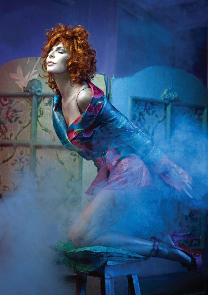 Mylene Farmer photografier par John Nollet pour la Magasine IAO (2010)
