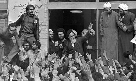 AYATOLLAH KHOMEINI RETURNS TO IRAN 1979