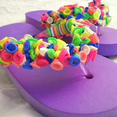 Balloon Flip Flops {Cool Crafts}  Make this cool craft for yourself, your daughter or a friend. It's also a great craft for the kids. Send them outside on the porch and have them tie, tie, tie, and before they know it, they will have an adorable set of flip flops they made themselves.