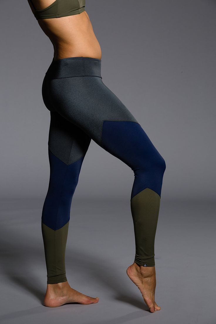 Onzie - Yoga Clothes | Printed Yoga Pants | Charcoal & Navy S/M