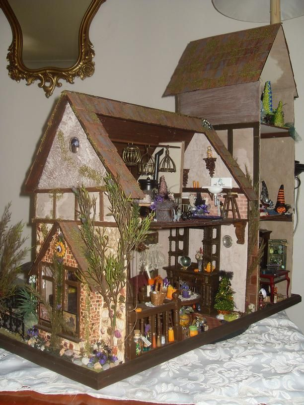 Lindas Miniature Musings: shabby (jt-pic2/2, inside the witch's house)