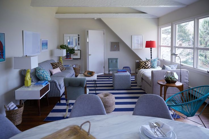 Classic With a Modern Twist: Jenna Bush Hagers Living Room Makeover