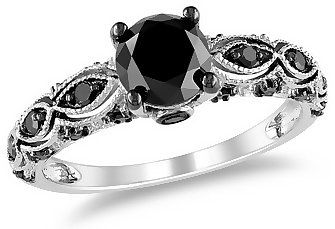 Gorgeous black diamond ring!  That's all I would wear if I could afford to.