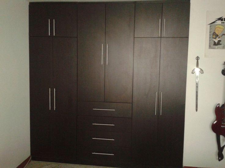 closets modernos encuentralos en www.galeriatendencias.com informes 3124749454