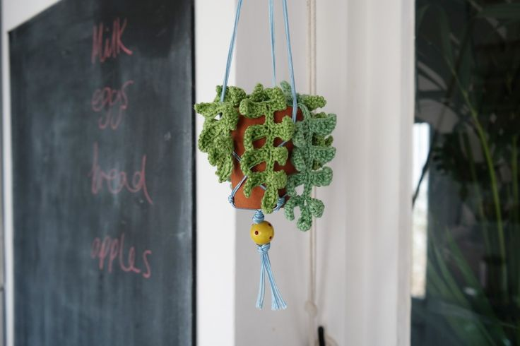 Brighton's craft duo have celebrated the launch of the new look Making Magazine with An exclusive project by Super + Super its a crochet-tastic DIY