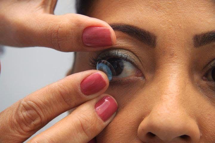 Teste de adaptação de lentes de contato