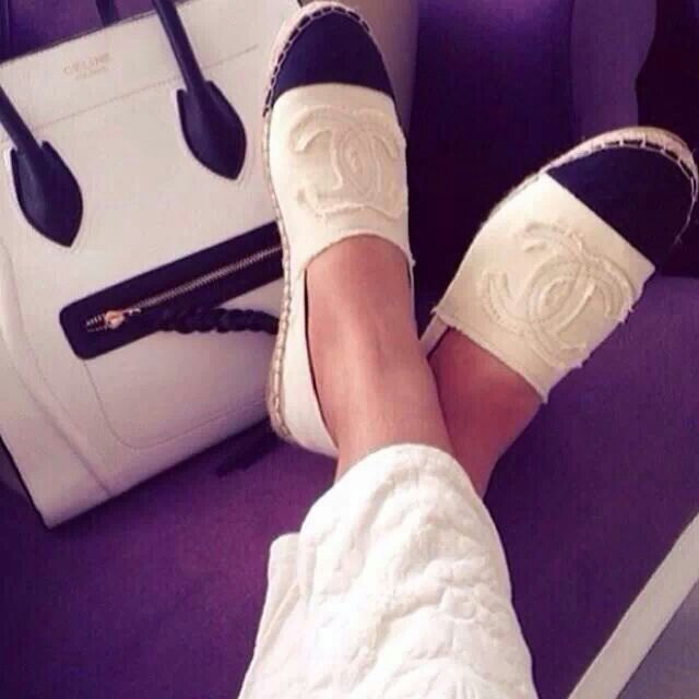 Chanel canvas