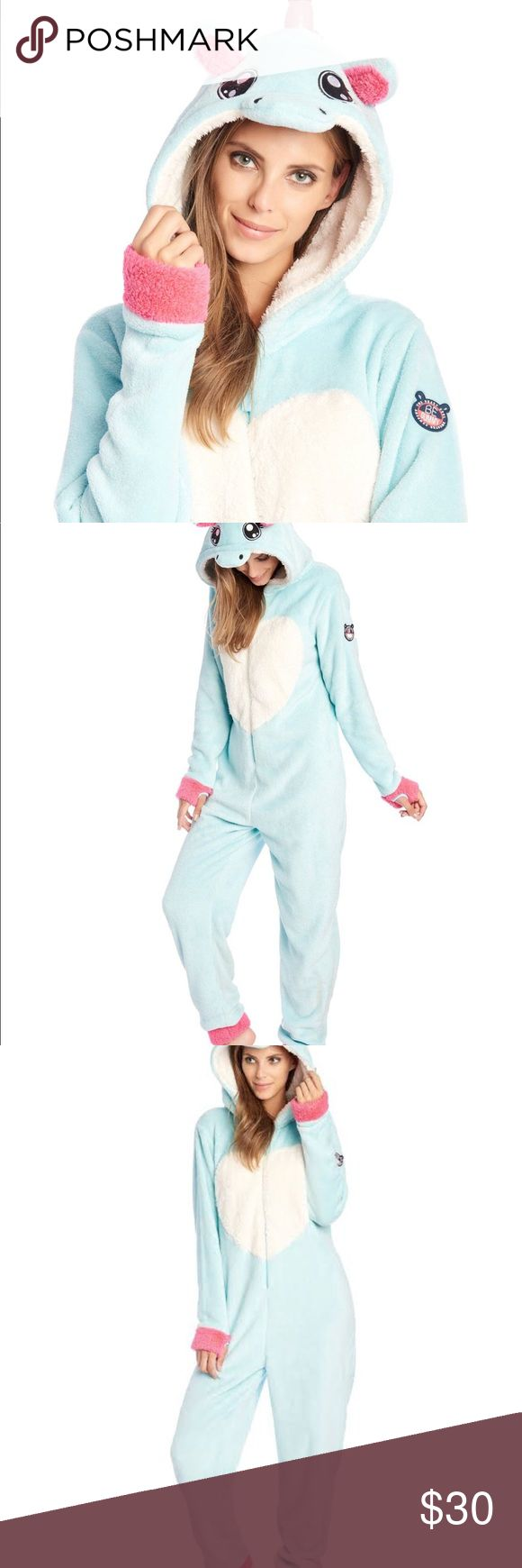 Aqua Blue unicorn 🦄 kigurami * Kigurami hooded onesie in soft teddy fur * Cool unicorn design * Aqua blue color with contrasting white accents and interior * Hood with animal ears design * Easy to wash * 100% polyester • in excellent condition (used and washed once) Sazac Other