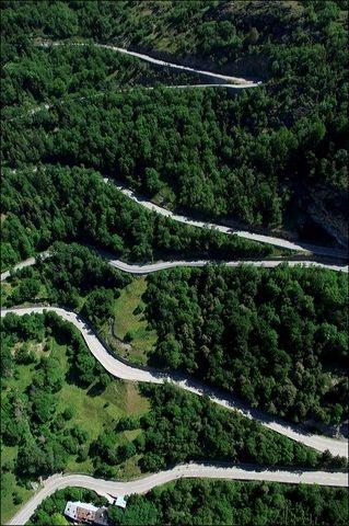 Montee de l'Alpe d'Huez et ses 21 virages mythiques