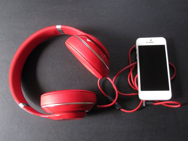 Beats Electronics Beats Studio (2013)