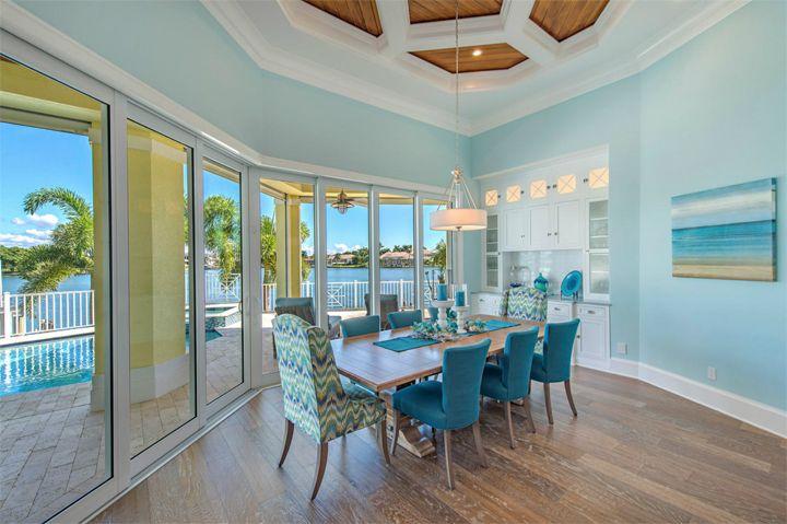 turquoise dining room | Amanda Atkins | Robb & Stucky