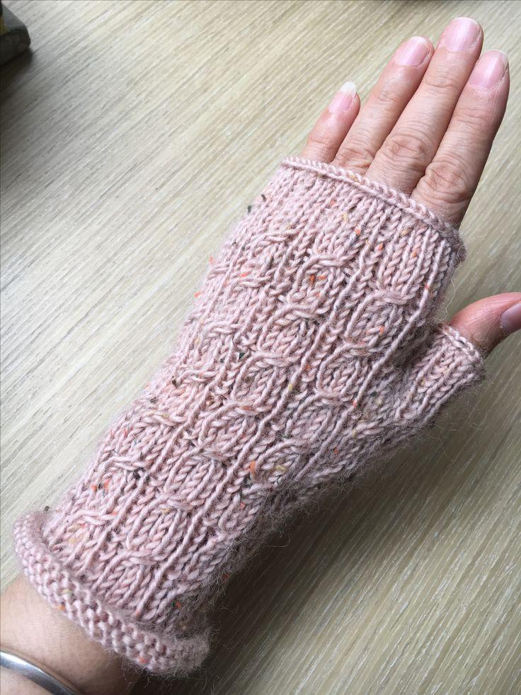 天涼了!暖暖手~暖暖心 Keeps you warm ~~
