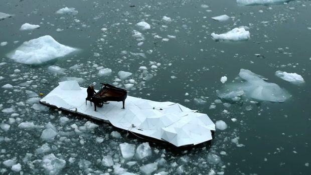 cryopolitics.files.wordpress.com 2016 06 arctic-piano-concert-greenpeace-ludovico-einaudi.jpg?w=800