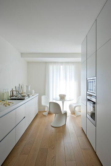Cuisine blanche 20 photos pour mettre du blanc dans sa for Cuisine epuree blanc