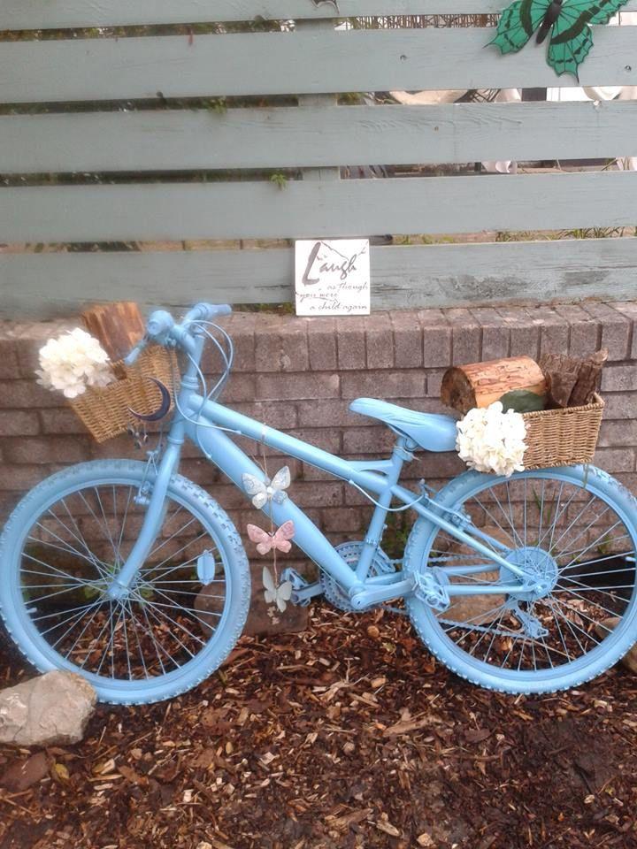 upcycled logans old bike,valspar spray paint,