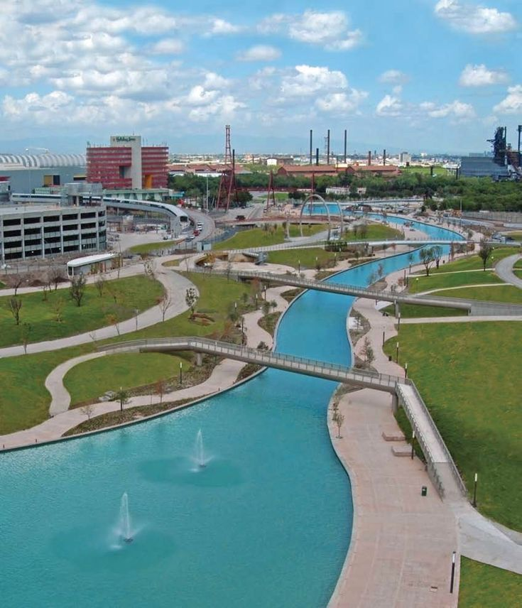♥ El Paseo Santa Lucía es un canal o río artificial y vía peatonal que se encuentra ubicado en el primer cuadro de la ciudad de Monterrey, Nuevo León, al noreste de México ♥