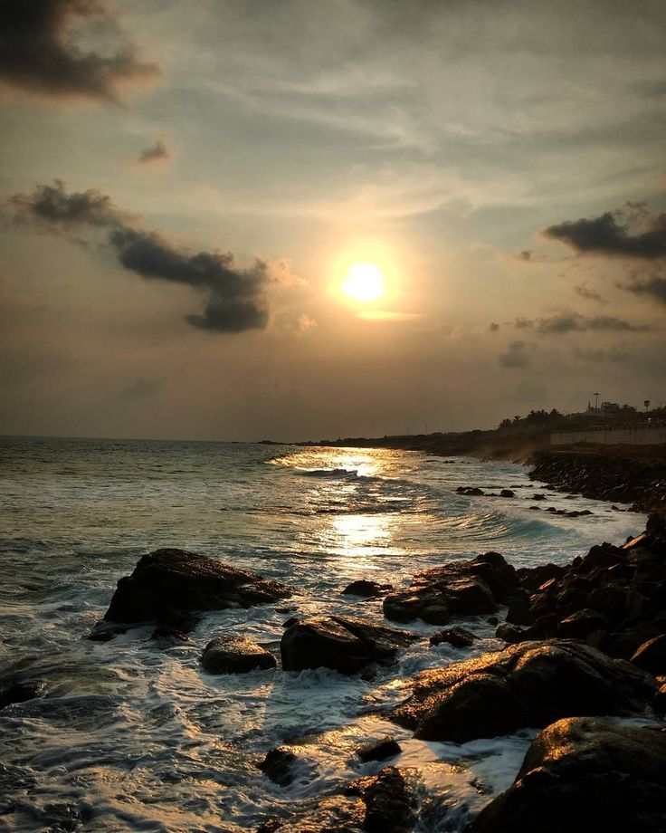 "72 Likes, 3 Comments - Gk Balaji (@balajigk) on Instagram: ""#zero_filter #sunset #kanyakumari #beginning_of_life #kanyakumari #instacraz  #instapic"""