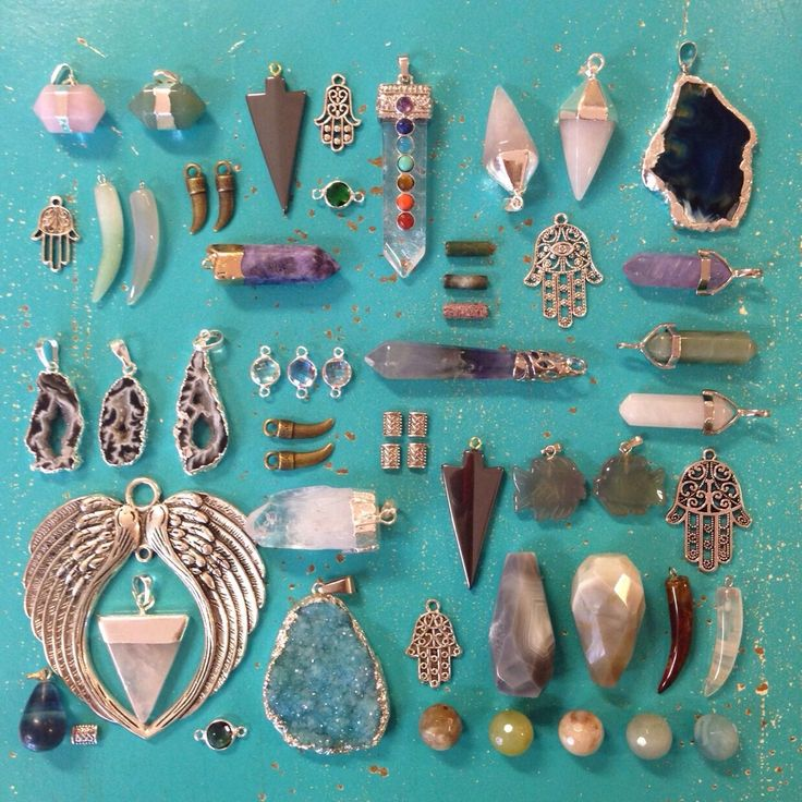 Rocks, minerals and gems.  Beadazzled-Hilversum. Beadstore in Hilversum, the Netherlands.