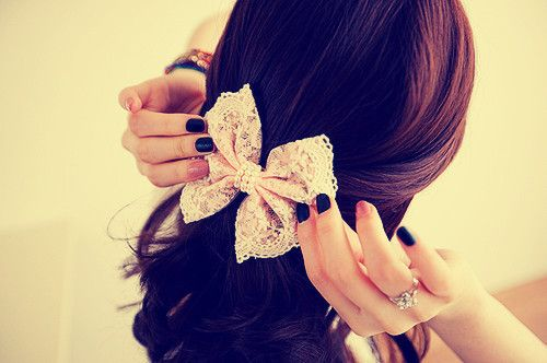 I love hair bows. I want 186,365,493 of them.