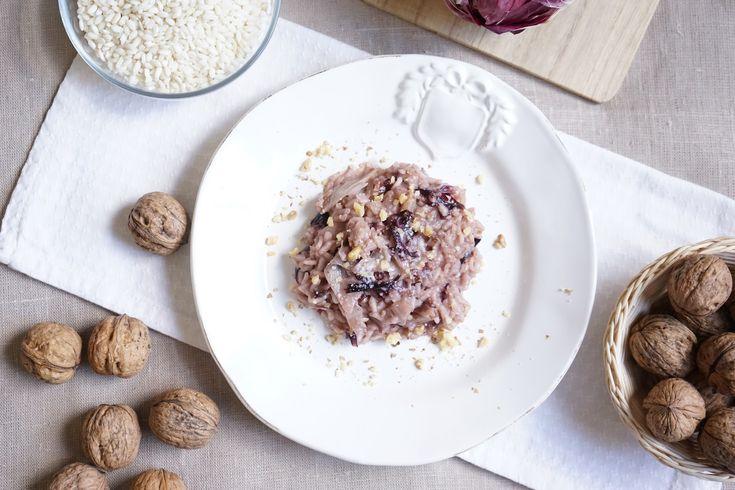 La ricetta del risotto radicchio e noci Bimby è un primo piatto invernale e vegetariano. Senza burro diventa anche un risotto vegan! Senza glutine...
