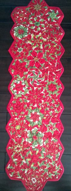 Serena Bean Quilts: Christmas One Block Wonder Table Runners - Instructions and fabric needs for a table runner