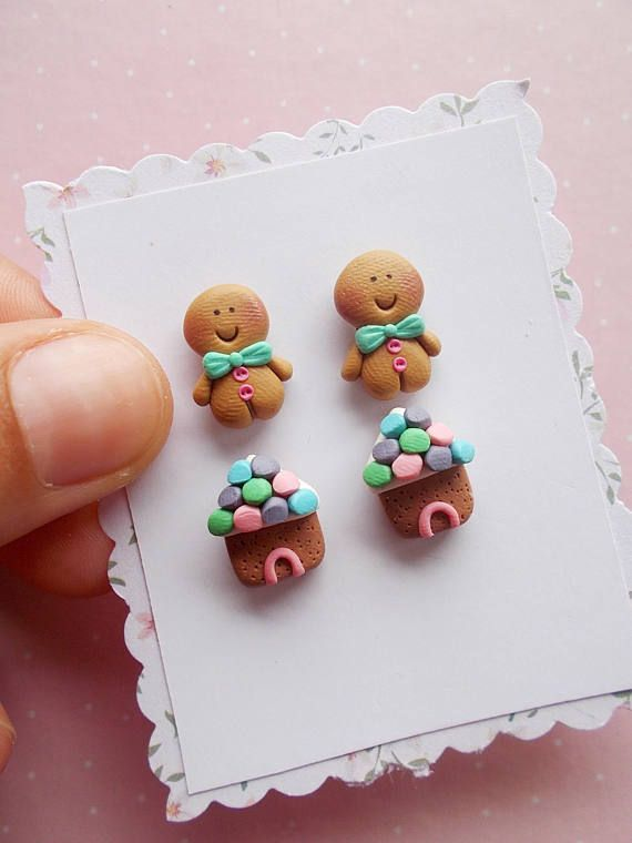 Christmas earrings set created from polymer clay without molds or forms, with gingerbread man and house. The set contains 4 earrings (2 pairs), as in the pictures. The lenght of each earring is 1.2 cm. ❀ Because i make everything by hand, the item you receive may differ slightly than shown on