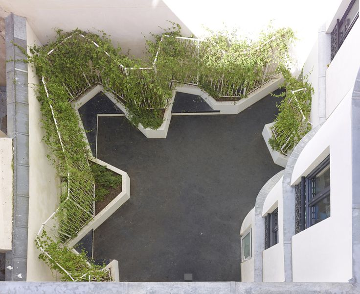 Raised bed // H2O Architectes