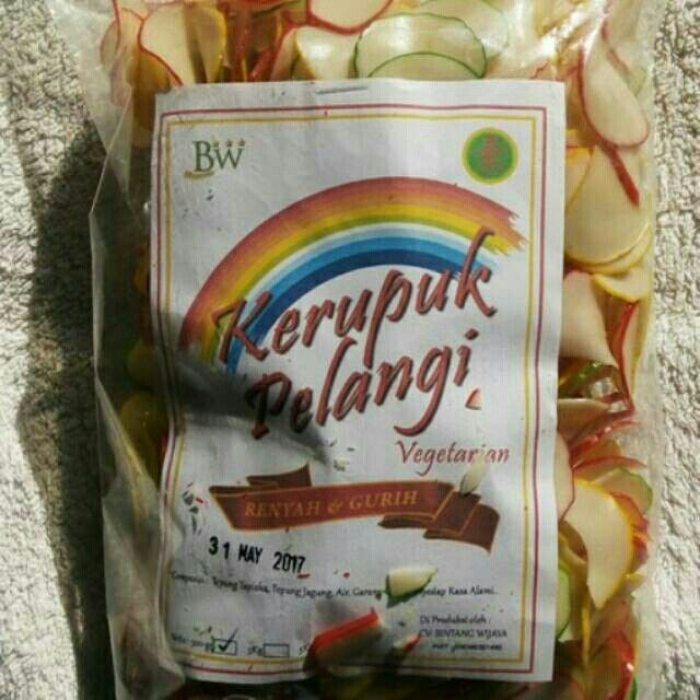 Saya menjual Kerupuk Pelangi (tdk termasuk ongkir) seharga Rp15.000. Dapatkan produk ini hanya di Shopee! http://shopee.co.id/jolinshop/1767615 #ShopeeID  For Order, Please contact :  089650359779 BB Pin : 58D6AEC9 Line : Jolinshopjakarta