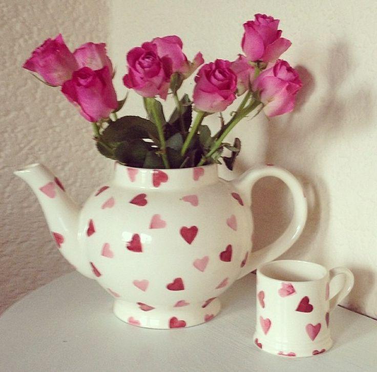 Emma Bridgewater pink hearts 4-cup teapot