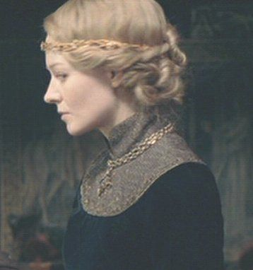 Eowyn - I LOVE this outfit! it is my favorite in the whole entire serise