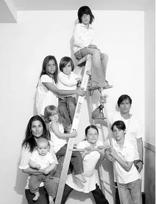 family portrait with all the grandkids... Cute idea for the grandparents
