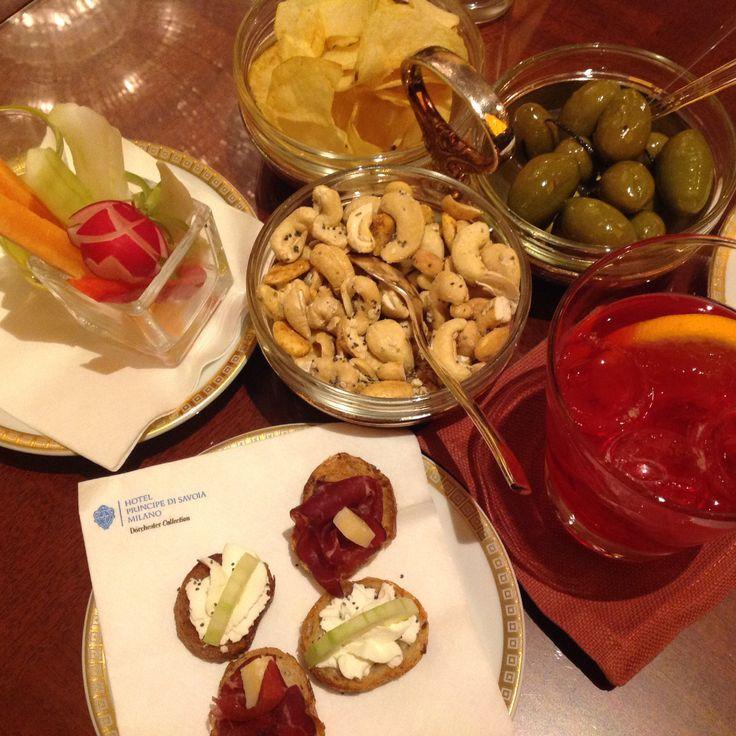 Aperitivi at the Principe Bar at Hotel Principe di Savoia. #Milan