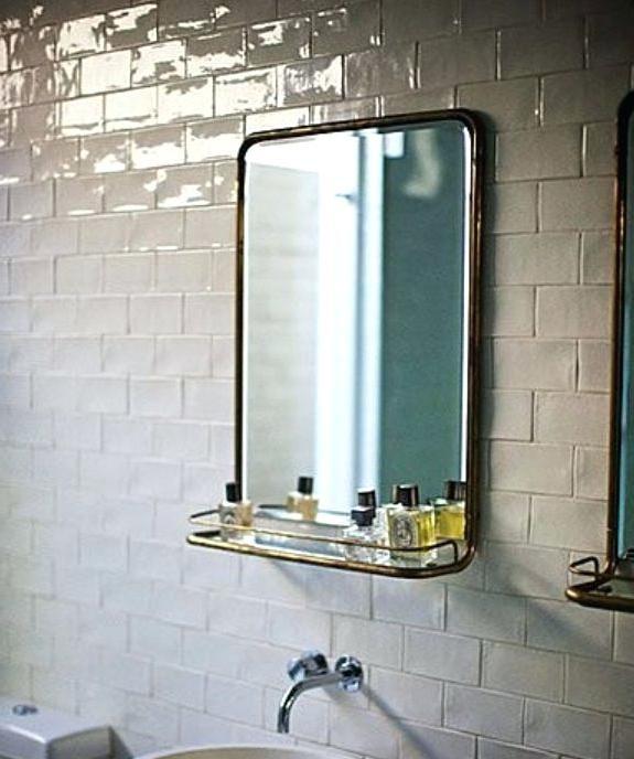 Vintage Bathroom Mirror With Shelf The Simple Beauty Of Metal Mirrors Brass Antique Cabinets Beau Salle De Bain Salle De Bain Enfant Moderne