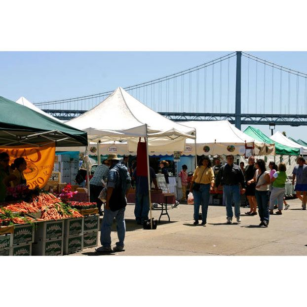 This is an incredible farmer's market—filled with delicious gourmet treats and the freshest fruits and vegetables that California has to offer—all while overlooking the bay. Go there on Saturday mornings to shop and eat!%0A1 Ferry Bldg Marketplace #50, ferrybuildingmarketplace.com.%0A  - Veranda.com
