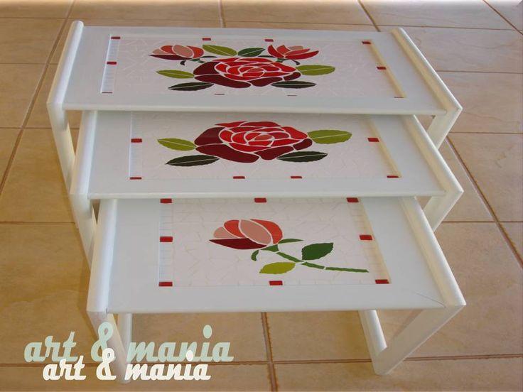 As mesas em mosaico podem ser usadas em varandas, áreas de lazer ou mesmo em um canto de sua sala como mesinha de apoio, complementando ...