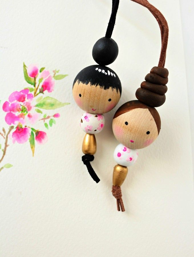 Sweet little wooden bead doll necklace tutorial: